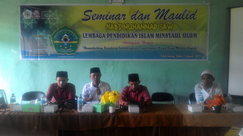 Foto : PC GP Ansor Kubu Raya gelar Seminar dan Maulid Nabi di Ponpes Minsya'ul Ulum, Teluk Lerang. (7/1)